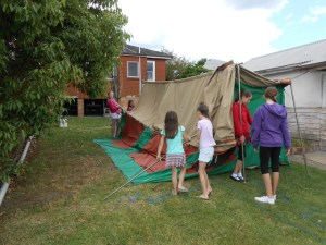 Kids' Vegies on the Verge camp out