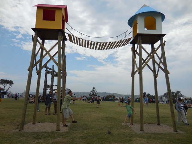 Sculpture by the Sea – involving the kids | Sustaining Community
