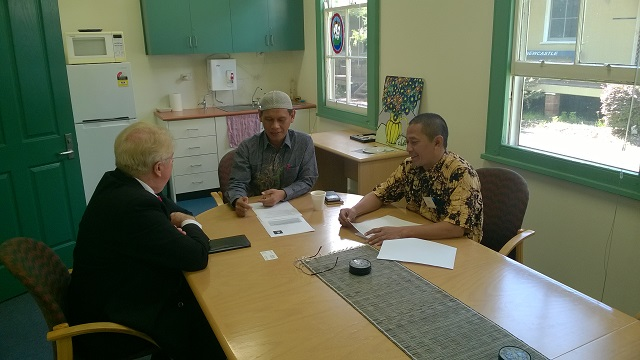 Mizan Sya'roni (right), Jarot Wahyudi and Alan Hayes discuss a potential memorandum of understanding.